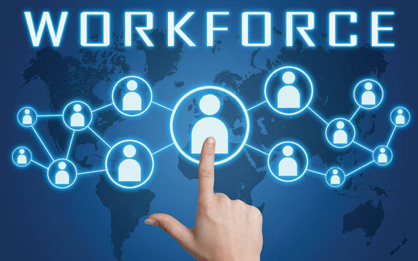 the changing workforce A holistic approach to life and non-life risks helps companies cut costs while improving the employee benefits that attract top talent.